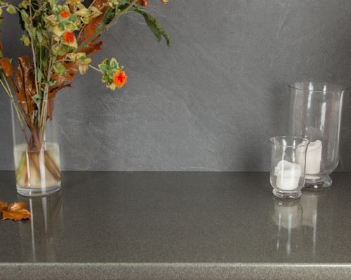 The smooth, high-gloss finish of this Galaxy Gloss glitter worktop enhances a contemporary kitchen.