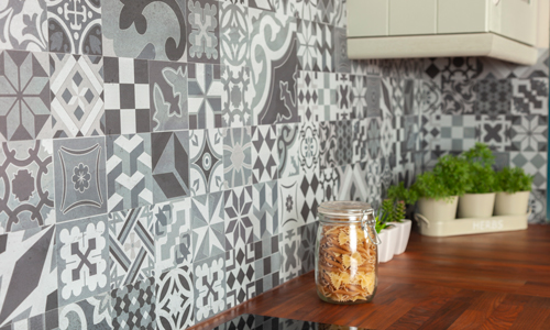 Fitting this Victorian Mosaic tile splashback helps to achieve a traditional aesthetic in a kitchen.
