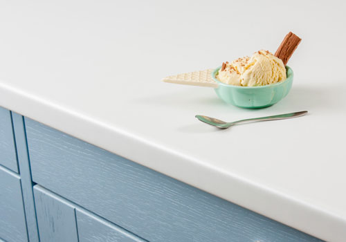 Our white laminate worktops are ideal for creating a bright kitchen.