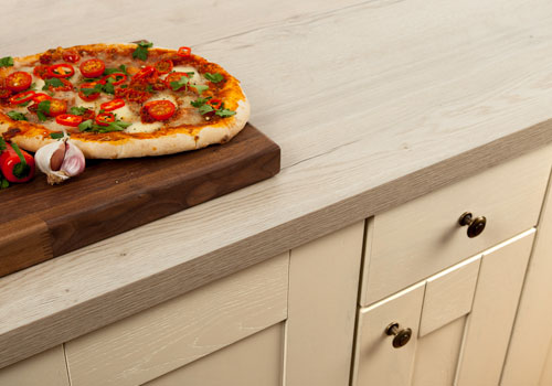 White oak worktops perfectly imitate a light oak surface, for a washed or limed oak look.