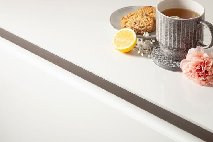White Glass Effect Worktop Edge