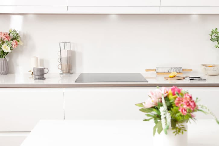 White Glass Effect Worktop in Kitchen