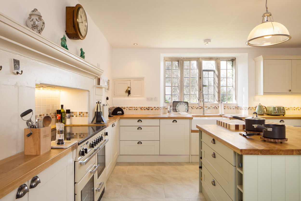 Go to our Full Stave Oak Worktop gallery page