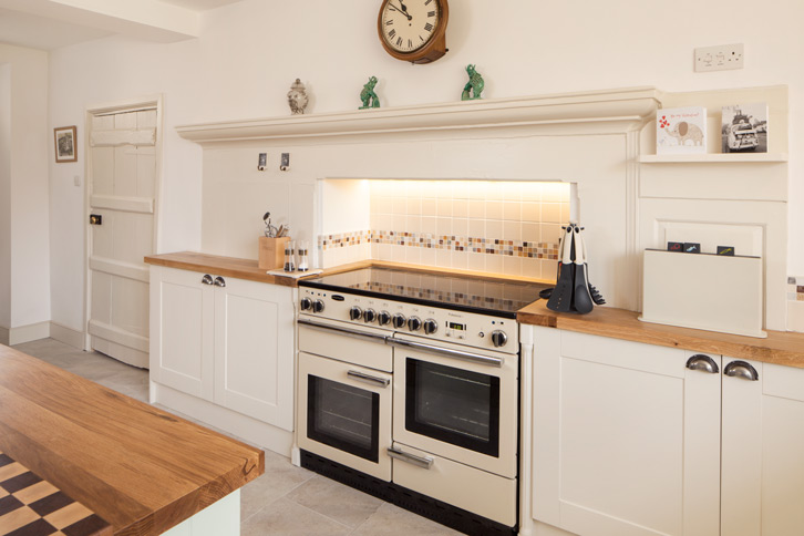 Full Stave Oak Kitchen Worktop