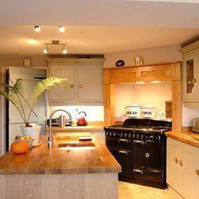 Prime Oak worktops with overmounted sink