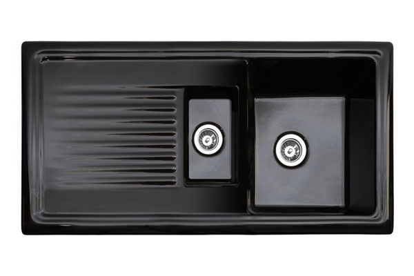 This black ceramic sink is the perfect compromise between modern and traditional