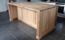 A hand-crafted solid oak island, finished with our beautiful solid oak worktops.