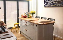 Oak worktops are the perfect choice for a kitchen oozing with vintage style.