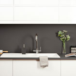 With a 22mm profile, Anthracite Grey super matt worktops are perfect for contemporary kitchens.