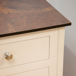 Use our bespoke worktop cutting service to order your Rouille Zenith worktops to meet your requirements.