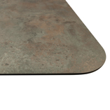 The black core of this Caldeira worktop is visible on the edges of each worktop.