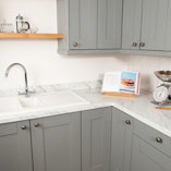 This Calcutta marble laminate worktop will suit both traditional and modern settings.