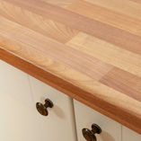 A fantastic option for both traditional and contemporary settings, our cherry-look work surfaces are a stylish choice.