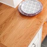 Our Deluxe Oak worktops are made from a number of 90mm wide oak staves that are finger jointed together to create a beautiful surface.