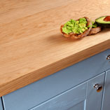 Our engineered oak full stave worktops feature a thin veneer of solid full stave oak to create the appearance of solid full stave of work surfaces.