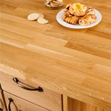 These oak worktops are made using a number of 40mm-wide staves that are finger jointed together to create a butcher block effect.