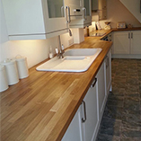 Prime Oak worktops with overmounted sink.