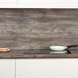 This wood effect laminate worktop has been designed with low maintenance and durability in mind.