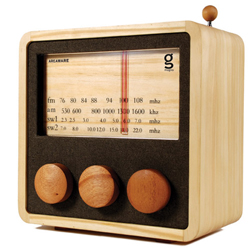 Made from sustainable timber, the Magno Wooden Radio is the perfect accessory for eco-friendly bamboo worktops.