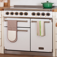 A variety of ovens would look excellent alongside a solid wood worktop.