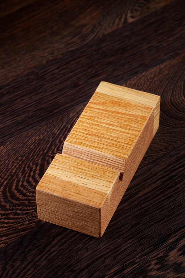 solid oak iphone stand    mobile phone holder