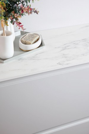 White marble bathroom worktop