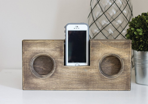 Create your own wooden phone amplifier with off-cuts provided with our wood worktop cutting service.