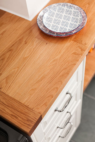 Discover more images of our Deluxe Oak worktop range